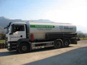 camion-souffleur-granules